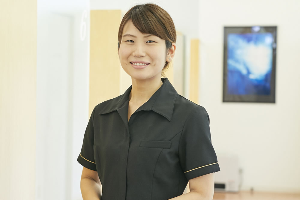 歯科助手 / 吉野千代美